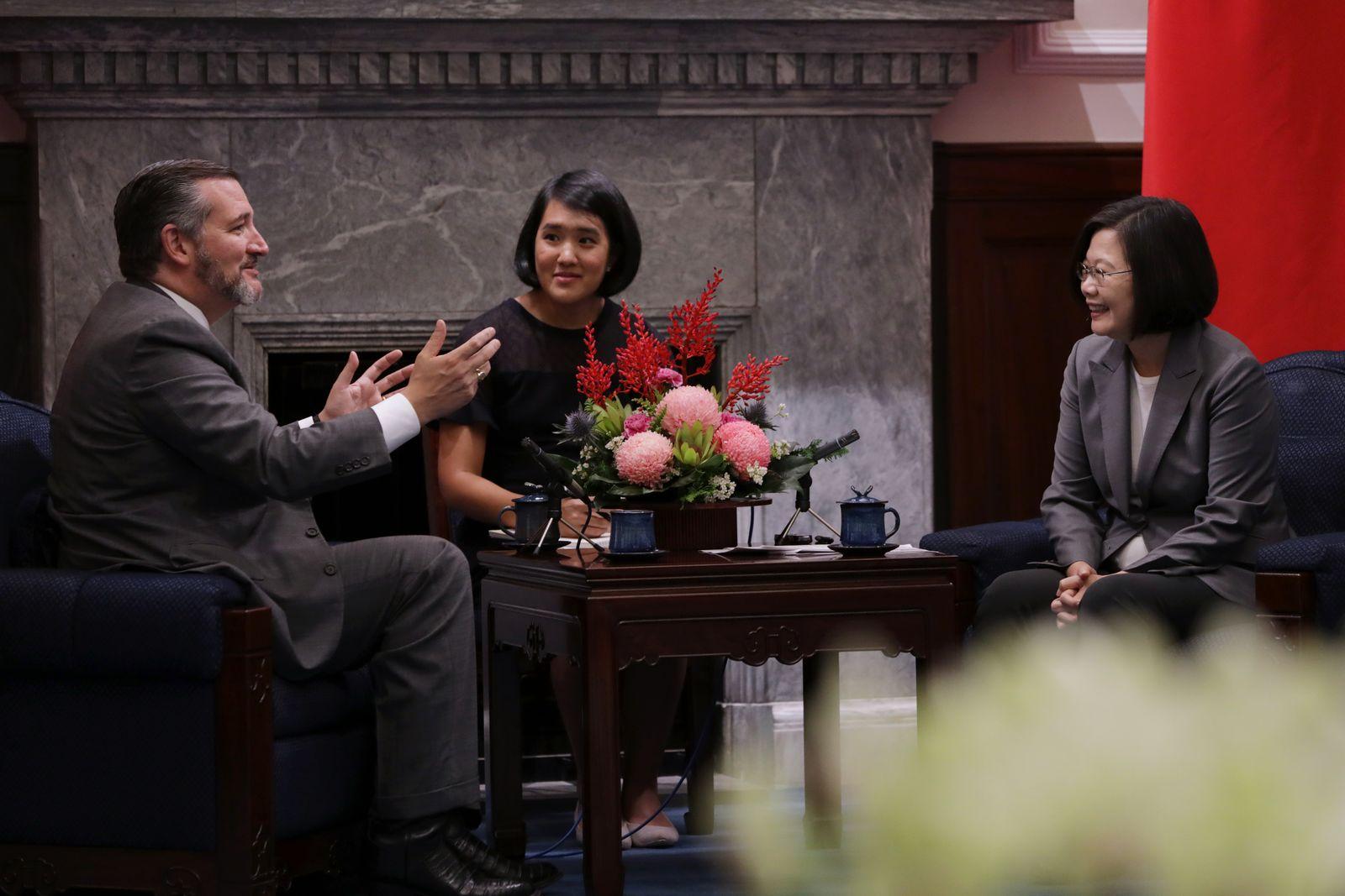 【翁履中觀點】微笑背後的真相,臺灣有智慧和勇氣面對嗎?